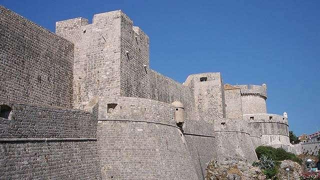 2 dubrovnik walls