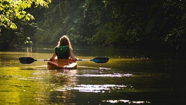 kayaking tortuguero