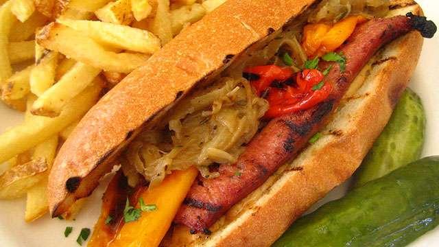 toulouse sausage sandwich