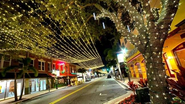 Clematis Street - West Palm Beach FL