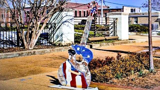 Elvis Guitar Trail - Tupelo MS