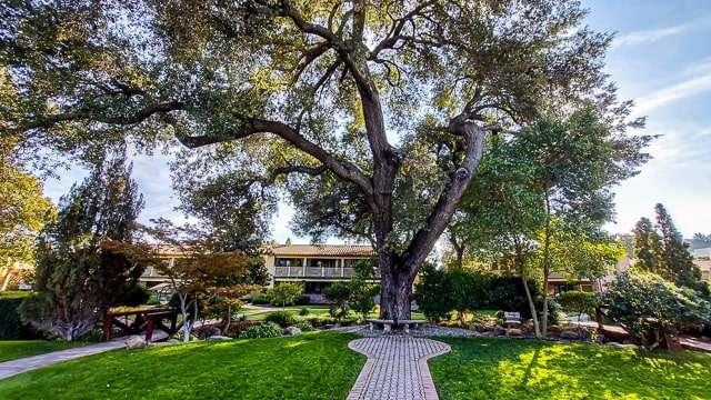 Gardens of Paso Robles Inn
