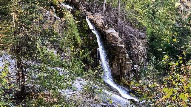 Penticton, Naramata Creek Waterfall
