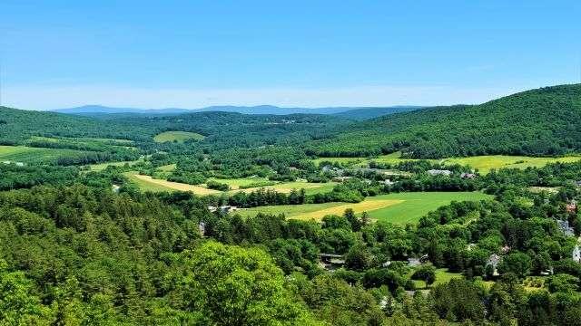 Mount Tom Vista View
