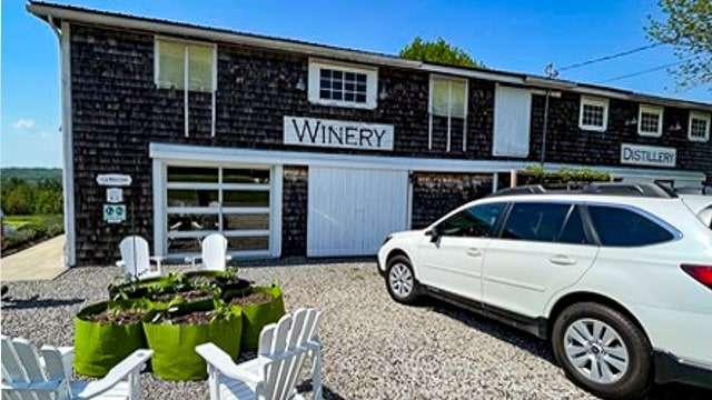 Visit the Rockland Wineries, Distilleries & Brew Pubs