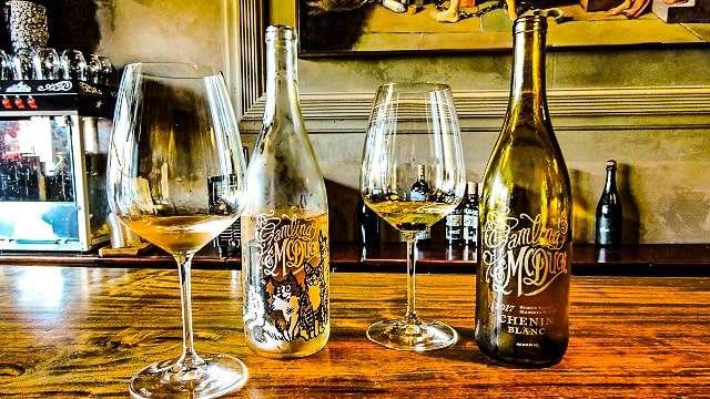 Downtown Napa Wine Tasting on Foot