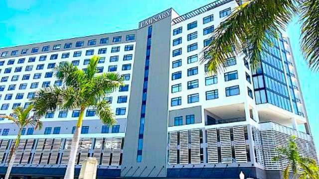 Luminary Hotel - Fort Meyers